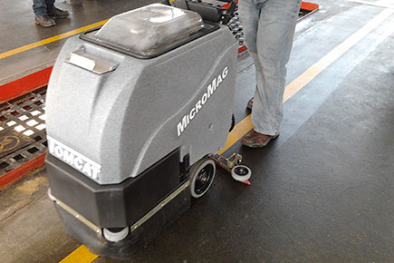 MicroMag Floor Scrubber Dryer Easily Cleans Up Quick Oil Spills