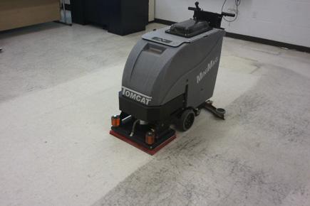 Tomcat EDGE® Commercial MiniMag Orbital Floor Scrubber