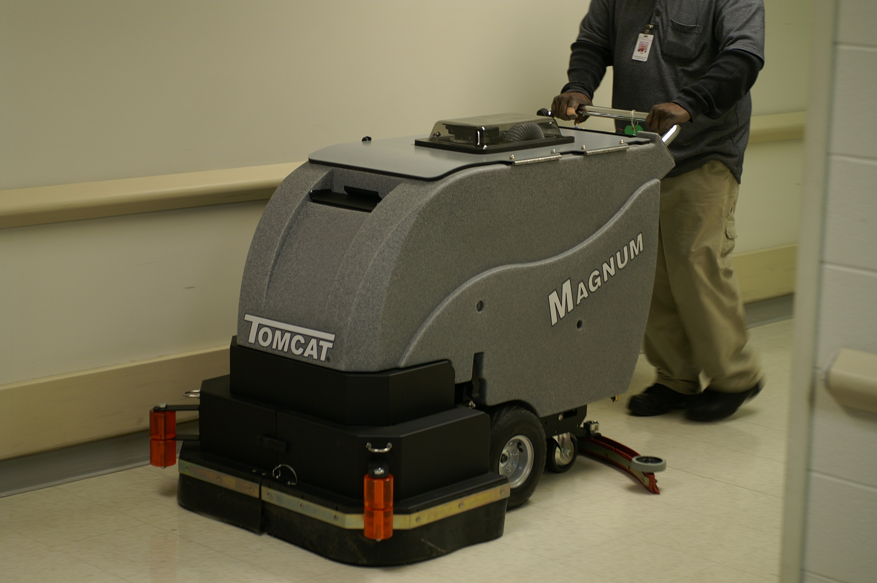 and contact drier xr floor floors sweeper dairy combination us hire tomcat scrubber
